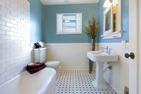 Banheiro com Vitrô Basculante - MIC Extra